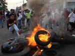 ОБОЈЕНИ РАТ: Венецуела – хуманитарна помоћ враћена са границе, Колумбија повлачи дипломате