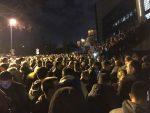 БЕОГРАД: Демонстранти и представници опозиције око 22 и 15 напустили просторије РТС-а