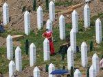 СРЕБРЕНИЦА НОВИ УСЛОВ ЗА ПУТ У ЕУ: Комеморација у Поточарима изродила политичко оруђе којим би могло да се удари на Србију