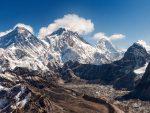 ЛИЦЕ НЕБРИГЕ: Монт Еверест као депонија – снијег скривао тоне смећа и људске лешеве