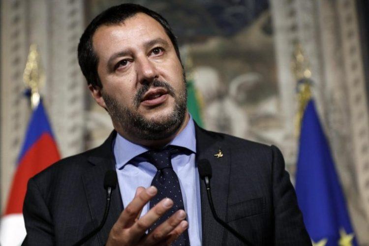 Салвини очитао лекцију из патриотизма: ЕУ приоритет банкари и мигранти, мени Италијани!
