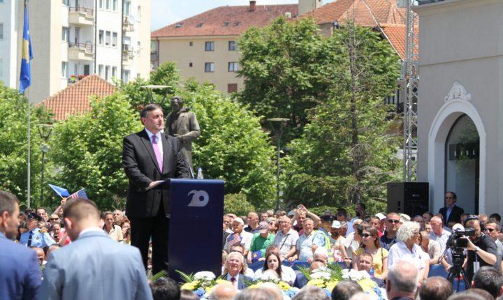 ПАЛМЕР: Циљ бомбардовања Србије био јасан, подршка сувереном и независном Косову остаје чврста