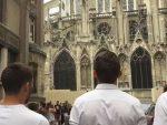 """""""БОГОРОДИЦЕ ДЈЕВО"""" ИСПРЕД НОТР ДАМА: Наступ младих богослова у Паризу"""