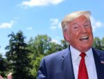 ЈЕДАН И ЈЕДИНИ: Трамп погледао у небо и поручио зашто је одабран