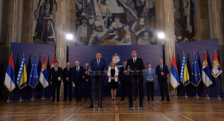 ВУЧИЋЕВА ПОРУКА СРБИМА У БИХ: Уздржите се, сукоб би значио економски крах