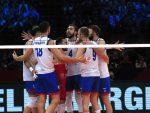 ЈУНАЧКИ: Срби у финалу ЕП, Французи потучени усред Париза у пет сетова