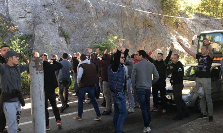 СРАМОТА ДО НЕБА: Фудбалери Звезде нису пуштени на Косово, враћају се са Јариња