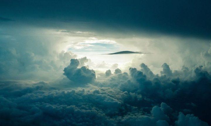 Шта је усталасало облаке изнад Антарктика: Енигматични снимци са Међународне свемирске станице