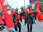 Срамни транспаренти на мечу тзв. државе Косово и Енглеске: Хвала што сте нам помогли у рату