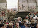 СВЕТ ЈЕ ДАНАС ДАЛЕКО ПОДЕЉЕНИЈИ: На данашњи дан пре три деценије пао Берлински зид