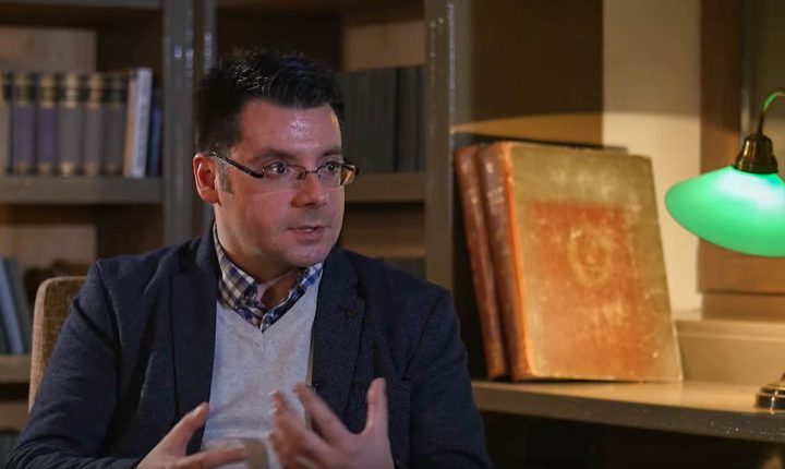 """ИНТЕРВЈУ """"ИСКРЕ"""" (ВИДЕО): ДР БОРИВОЈЕ МИЛОШЕВИЋ: Србији се покушава фашизам везати као камен око врата"""
