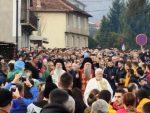 БИЈЕЛО ПОЉЕ РУШИ СВЕ РЕКОРДЕ: Око 30.000 људи у литији коју предводе Јоаникије и Теодосије
