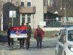 ЖУЉЕВИ И БОЛОВИ, АЛИ НЕ ОДУСТАЈУ! ПЕШАЧЕ 45 КМ ДНЕВНО: Ходочасници стигли до Чачка, добили и друштво! С ВЕРОМ У БОГА