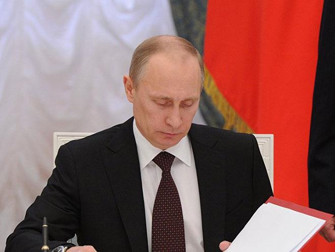 Путин о застави ЛГБТ на Амбасади САД: Показали су понешто о томе ко тамо ради