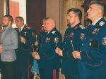 МОЛИТВЕНИ ПОМЕН ЈУНАЦИМА: Српски козаци у част руских падобранаца!