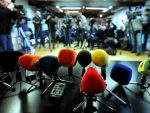 АКО ЗАЖМУРИМО, ЖИВЕЋЕМО У МРАКУ: АПЕЛ новинара из Црне Горе да се поштуjе основно људско право на слободу вjероисповиjести