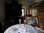 У ХРАПАВЕ СТАРАЧКЕ РУКЕ СТАВИЛА ЈЕ ГЛАВУ И ПЛАКАЛА: Радина Пантовић (55) из засеока Пантовићи испод Дивчибара о старости и пустој самоћи