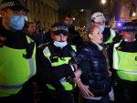 Хаос у Лондону: Народ устао против карантина, више од 100 ухапшених