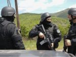 КОСОВО И МЕТОХИЈА: Специјалне јединице РОСУ на Јарињу и Брњаку, почело одузимање таблица