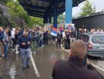 Срби са Космета на ногама: Са више од 400 возила стигли на Јариње и Брњак