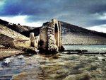 Из језера у Хрватској изрониле зидине старог српског православног манастира